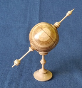 Ian Woodford, 1st place finial box on stand